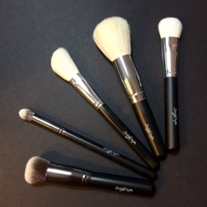 Airbrush face Brush from Dial M